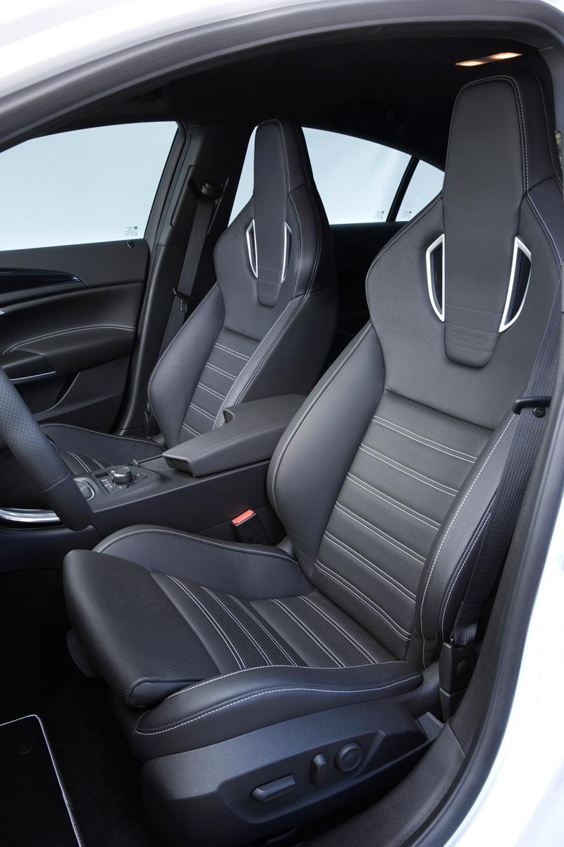 Foto Interiores Opel Insignia Familiar 2010