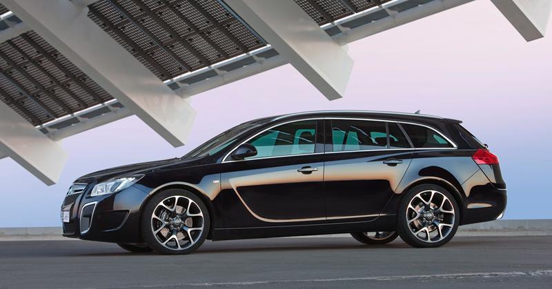 Foto Perfil Opel Insignia Familiar 2010