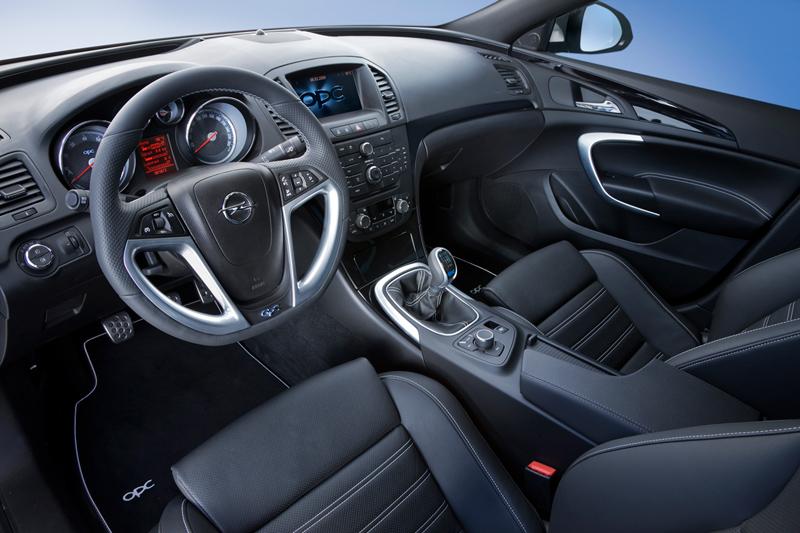 Foto Salpicadero Opel Insignia Familiar 2010