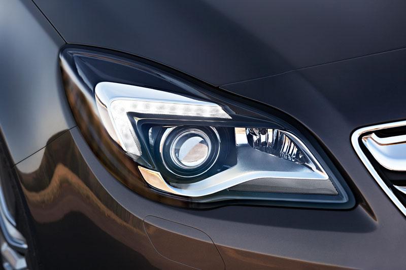 Foto Detalles Opel Insignia Familiar 2013