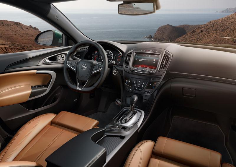 Foto Salpicadero Opel Insignia Familiar 2013