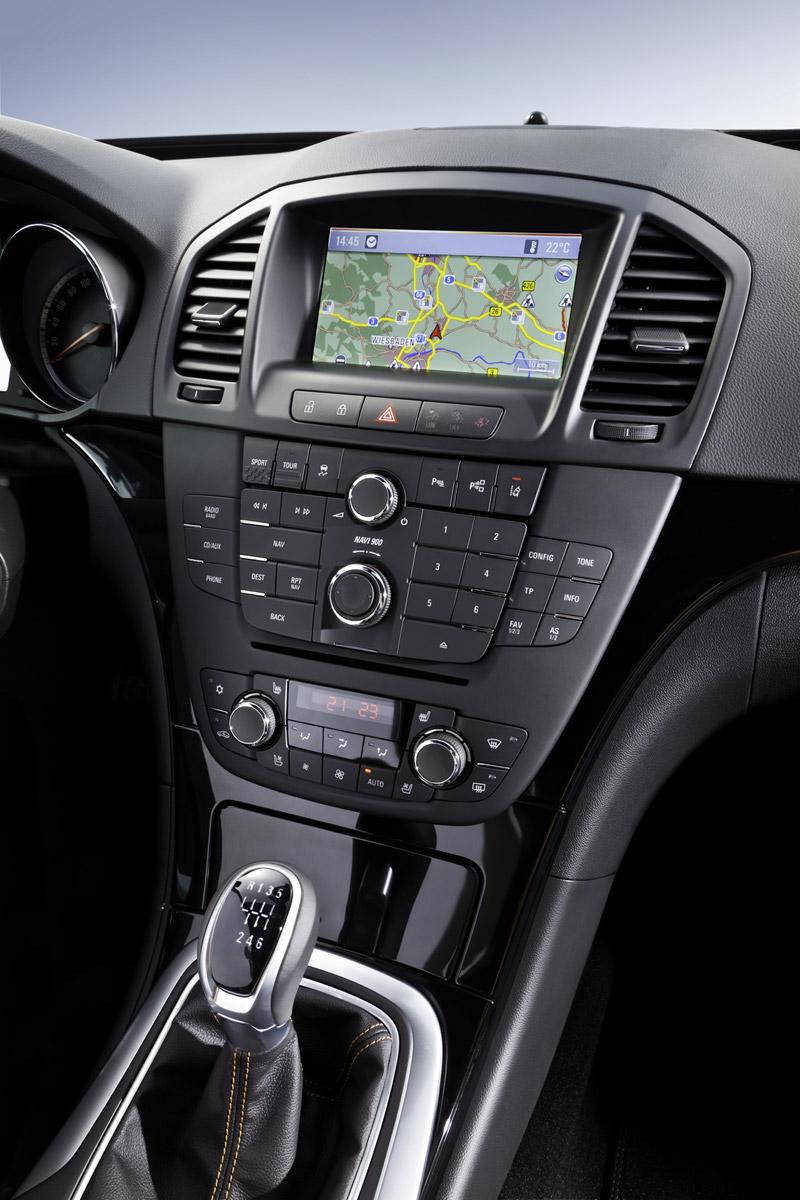 Foto Interiores Opel Insignia Sedan 2011