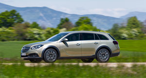 Foto Exteriores (3) Opel Insignia-country-tourer Suv Monovolumen 2013