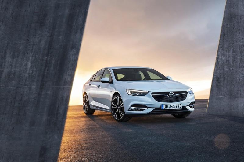 Opel Insignian Grand Sport 2017 frontal