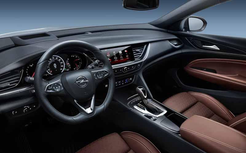 Opel Insignia Grand Sport 2017, foto interior