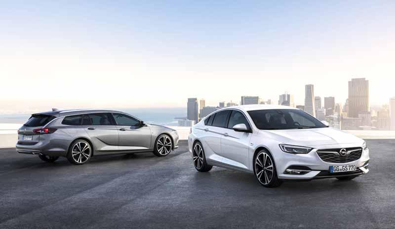 Foto Exteriores (2) Opel Insignia-sports-tourer Familiar 2017