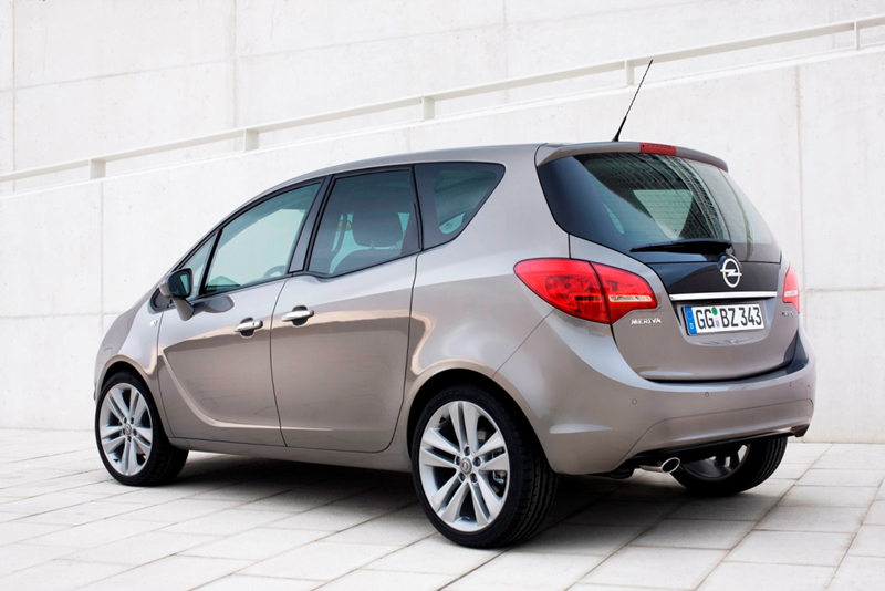 Foto Trasero Opel Nuevo Meriva Monovolumen 2010