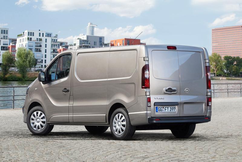 Foto Trasera Opel Vivaro Vehiculo Comercial 2014