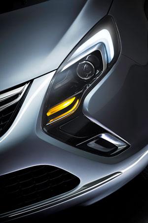 Foto Detalles (2) Opel Zafira-tourer Monovolumen 2011