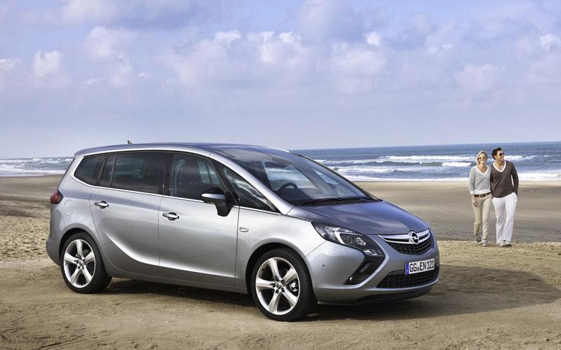 Foto Exteriores (14) Opel Zafira-tourer Monovolumen 2011