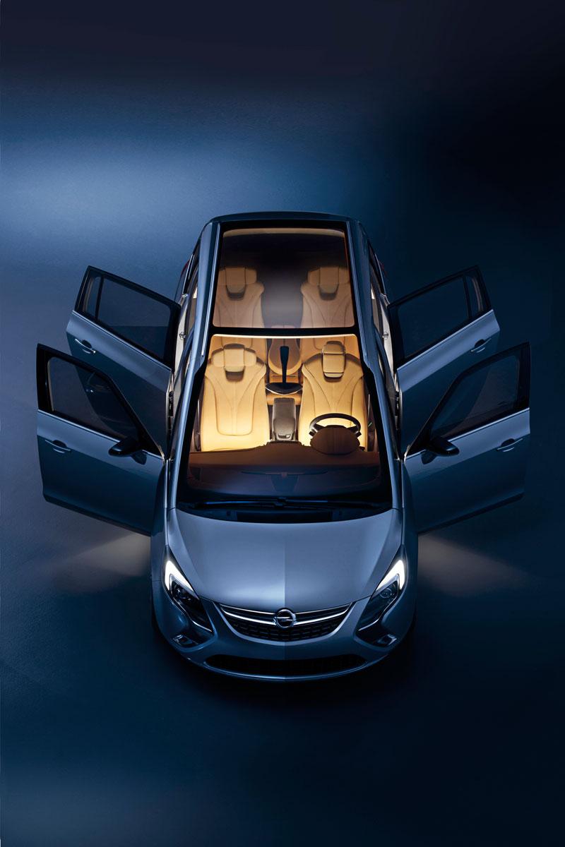 Foto Exteriores Opel Zafira Tourer Monovolumen 2011