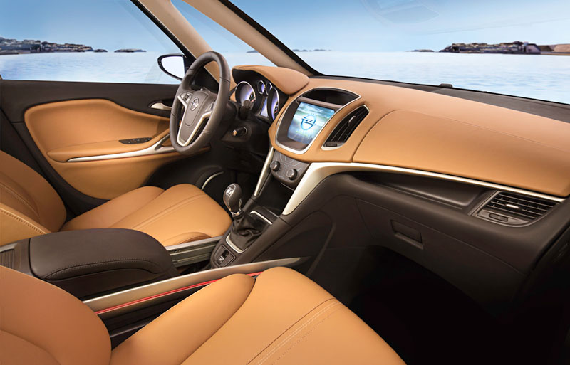 Foto Interiores (4) Opel Zafira-tourer Monovolumen 2011