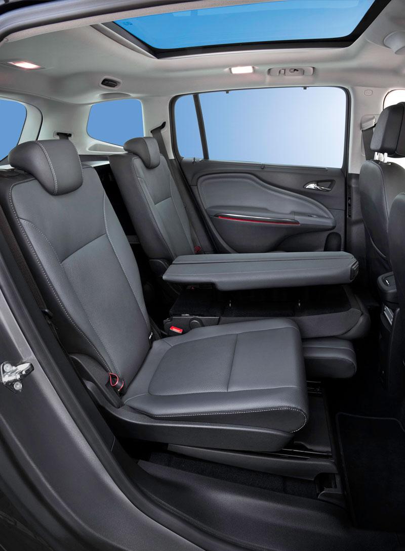 Foto Interiores (7) Opel Zafira-tourer Monovolumen 2011