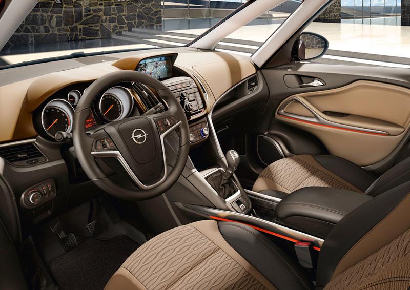 Foto Interiores (8) Opel Zafira-tourer Monovolumen 2011