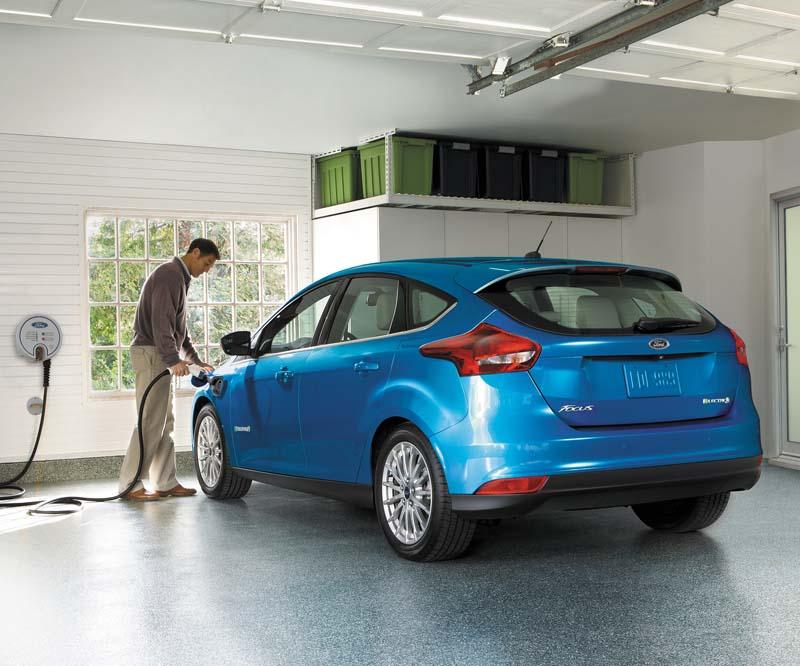 Ford Focus eléctrico 2017, vista trasera