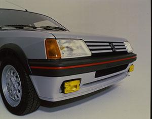 Foto Detalles (2) Peugeot 205-gti Dos Volumenes 1984