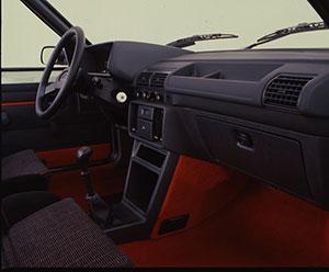 Foto Interiores Peugeot 205-gti Dos Volumenes 1984