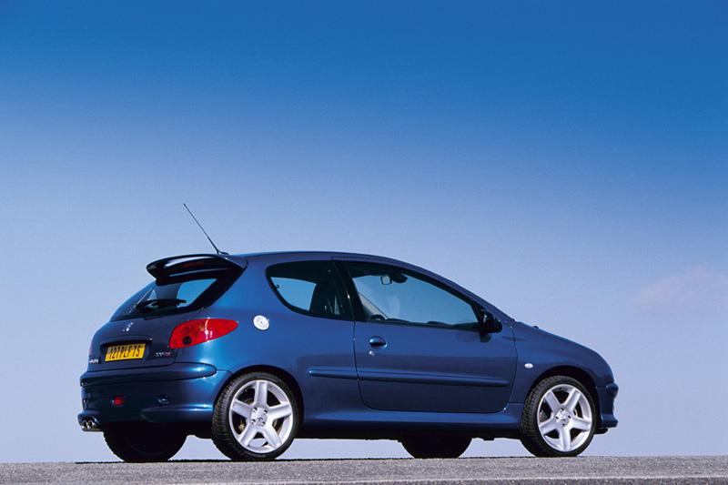 Foto Exteriores Peugeot 206 Dos Volumenes 2006