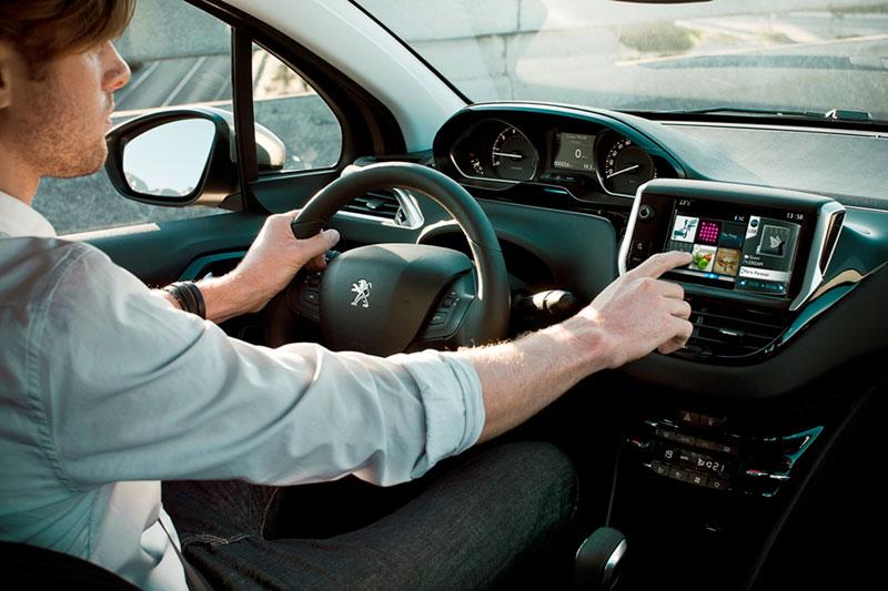 Foto Peugeot Peugeot 208 Dos Volumenes 2012