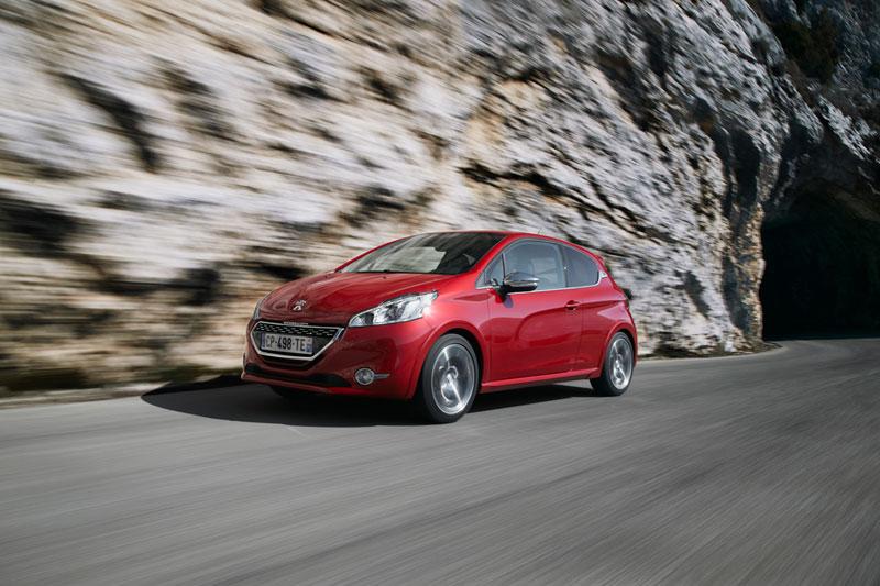 Foto Exteriores Peugeot 208 Gti Dos Volumenes 2012