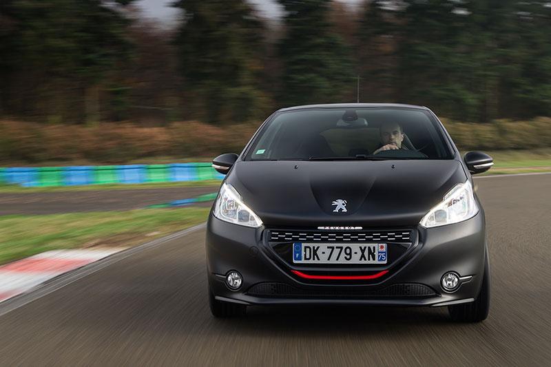 Foto Exteriores Peugeot 208 Gti 30th Dos Volumenes 2014