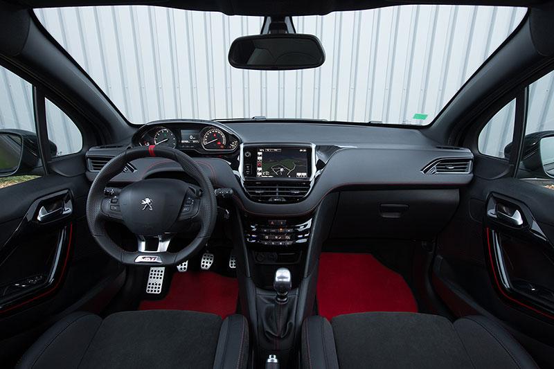 Foto Interiores Peugeot 208 Gti 30th Dos Volumenes 2014