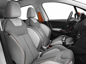 Foto Interiores (1) Peugeot 208-roland-garros Dos Volumenes 2014