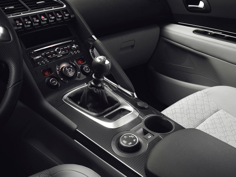Foto Interiores (9) Peugeot 3008 Monovolumen 2014