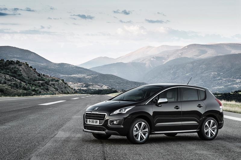 Foto Lateral Peugeot 3008 Monovolumen 2014