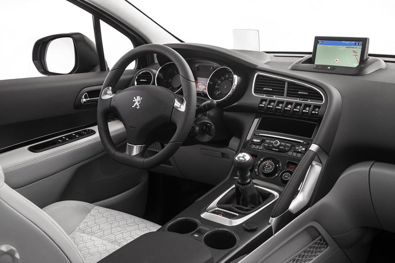 Foto Salpicadero Peugeot 3008 Monovolumen 2014