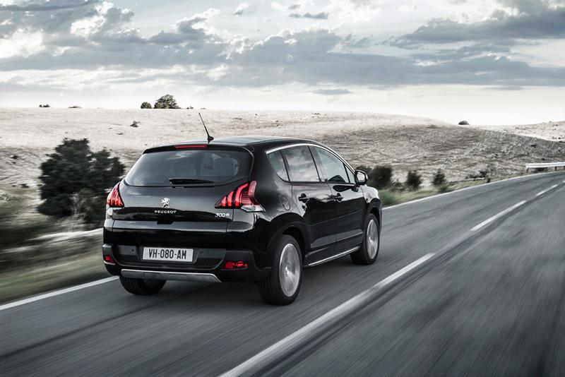 Foto Trasera Peugeot 3008 Monovolumen 2014