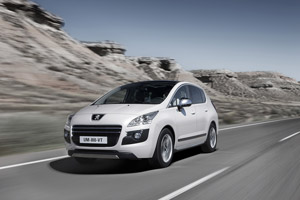 Foto Delantera Peugeot 3008-hybrid4 Monovolumen 2011