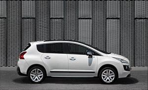 Foto Perfil Peugeot 3008-hybrid4 Monovolumen 2011