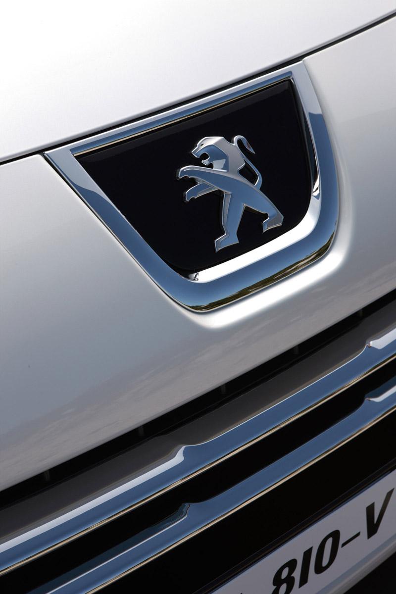 Foto Detalles Peugeot 3008 Hybrid4 Monovolumen 2011