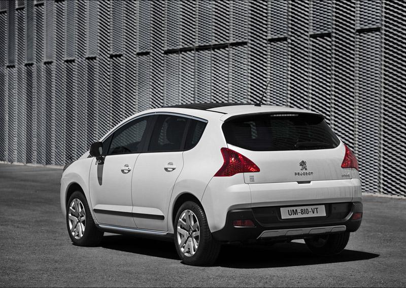 Foto Trasera Peugeot 3008 Hybrid4 Monovolumen 2011