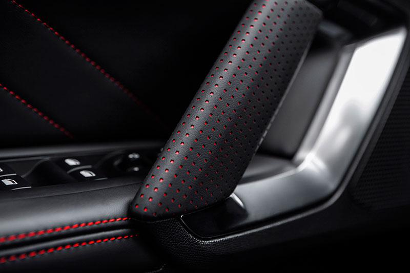 Foto Detalles Peugeot 308 Gti Dos Volumenes 2015