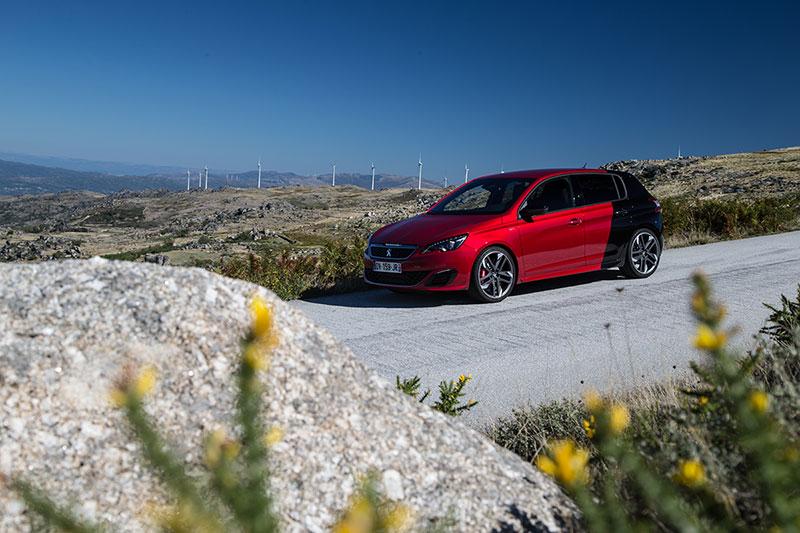 Foto Exteriores Peugeot 308 Gti Dos Volumenes 2015