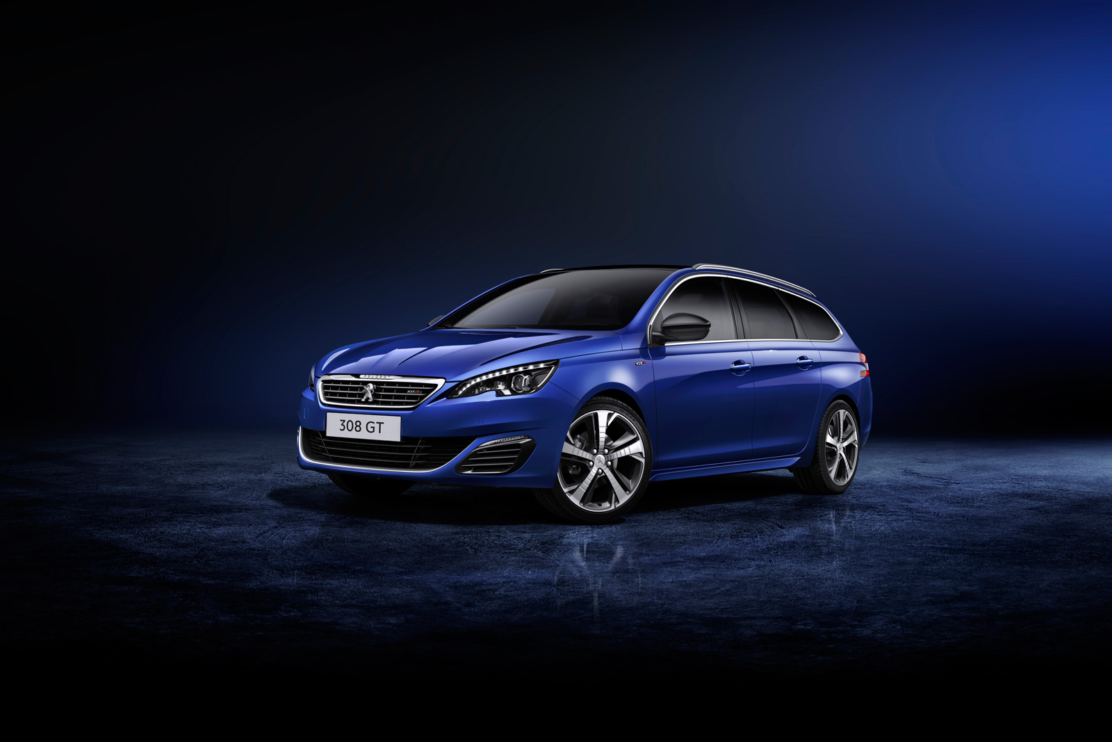 foto delantera peugeot 308 sw gt familiar 2015. Black Bedroom Furniture Sets. Home Design Ideas