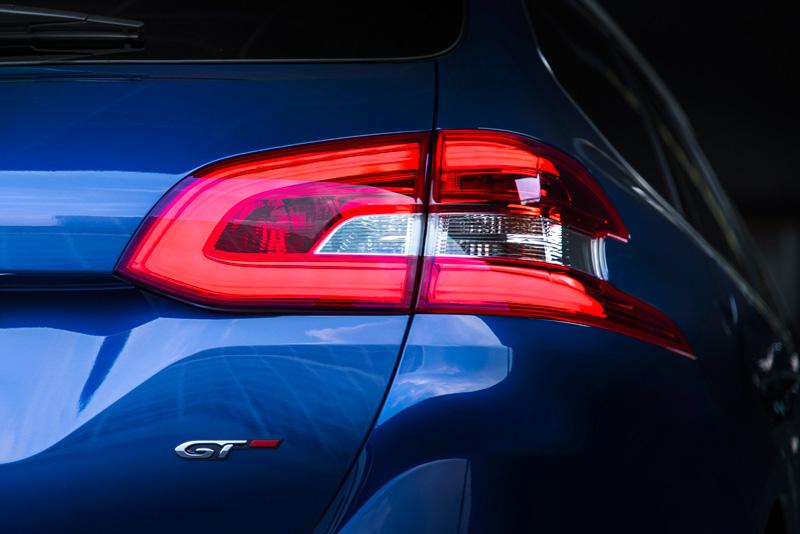 Foto Detalles 1 Peugeot 308-sw-gt Familiar 2015