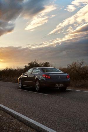Foto Exteriores (8) Peugeot 508 Sedan 2010