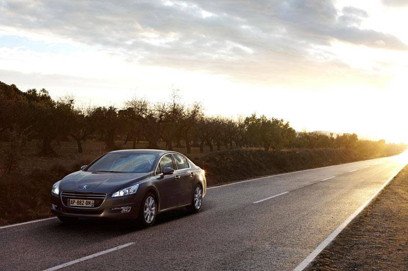 Foto Exteriores (10) Peugeot 508 Sedan 2010