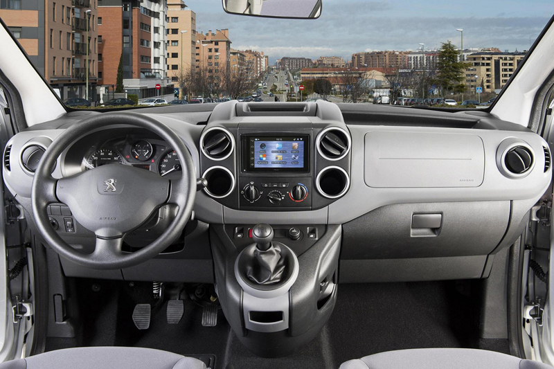 Foto Salpicadero Peugeot Partner Office Vehiculo Comercial 2014