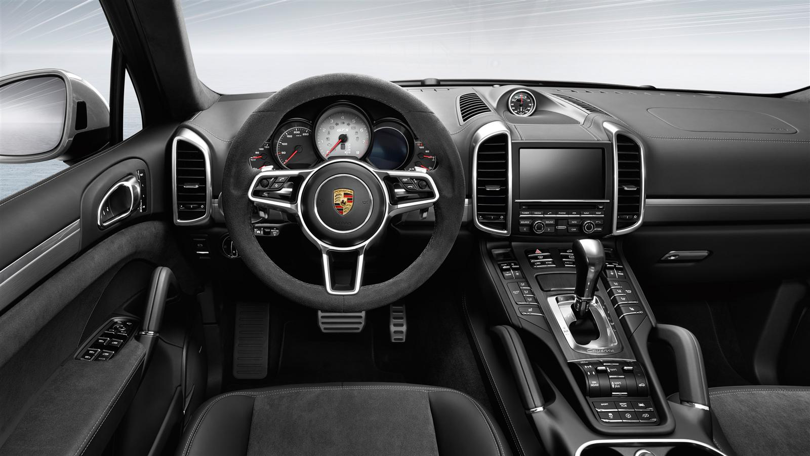 foto interior 1 porsche cayenne gts suv todocamino 2015. Black Bedroom Furniture Sets. Home Design Ideas