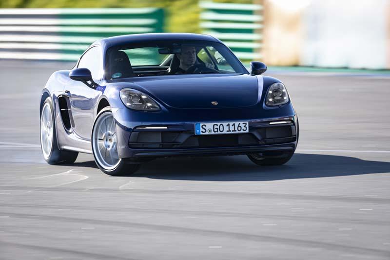 Foto Delantera Porsche Cayman Gts Cupe 2020