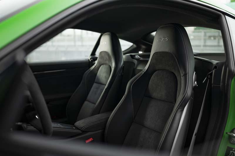 Porsche 718 Cayman GTS 2020, foto asientos