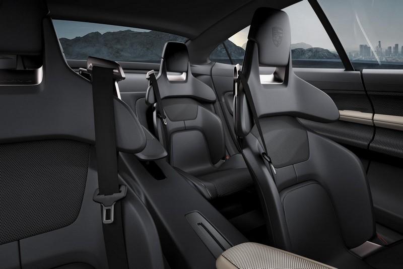 Foto Interiores Porsche Mission E Concept 2015