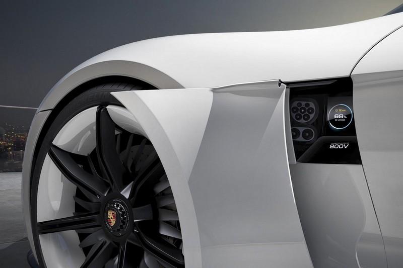 Foto Tecnicas Porsche Mission E Concept 2015