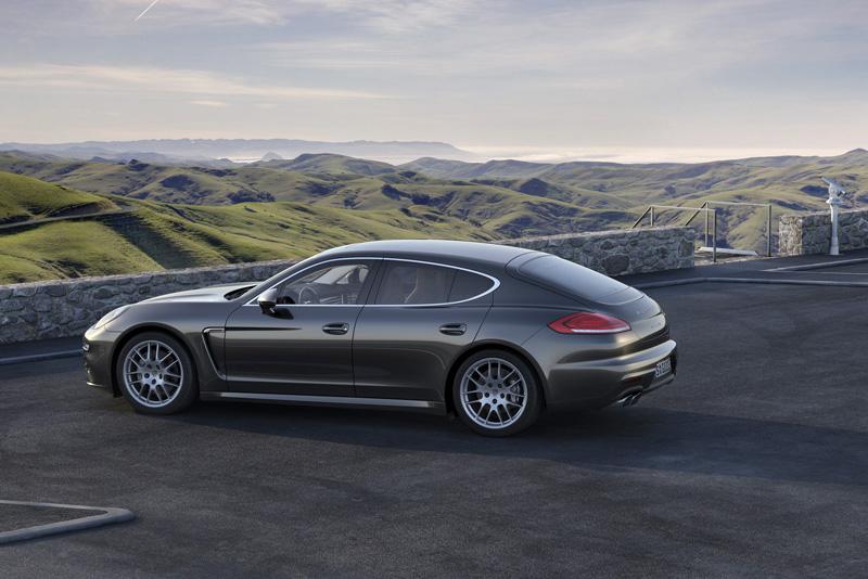 Foto Perfil Porsche Panamera Sedan 2013