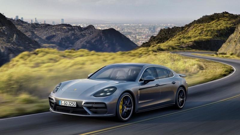 Foto Delantera Porsche Panamera Executive Sedan 2017