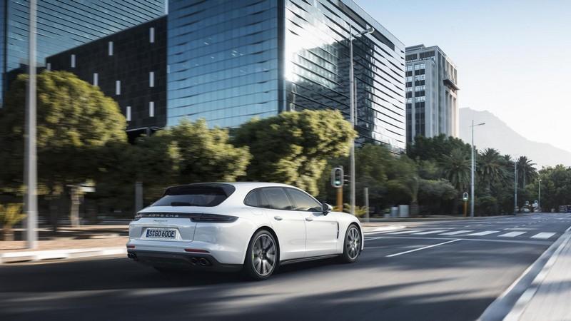 Foto Exteriores Porsche Panamera Sport Turismo Berlina 2018